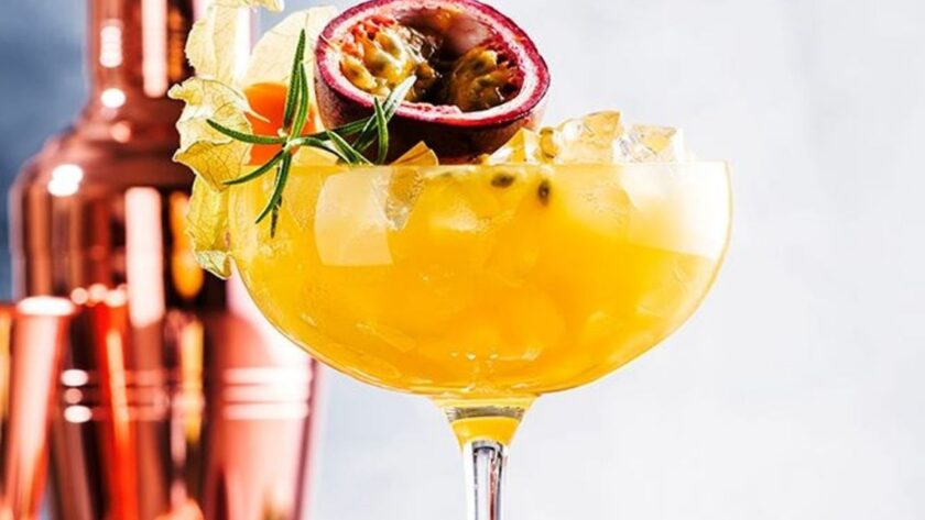 The fruity Pornstar Martini cocktail, easy and delicious